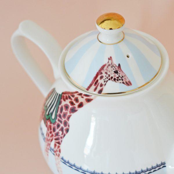 teapot_closeup